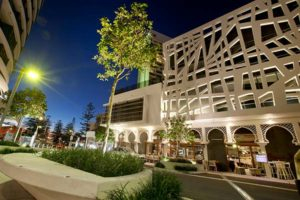broadbeach dining mall
